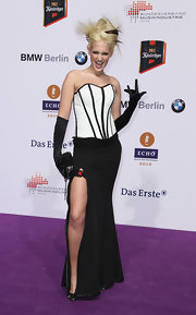 Sarah Knappik wore a strapless corset dress to the 2010 Echo Awards. A deep side split completed her look.