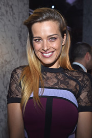 Petra Nemcova looked youthful and pretty wearing this half-up style at the Elie Saab Haute Couture show.