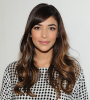 Hannah Simone attended the Time for Heroes Family Festival wearing the most perfectly sweet wavy hairstyle.