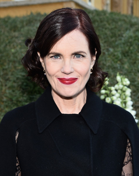 Elizabeth McGovern Short Curls [hair,lip,face,hairstyle,eyebrow,beauty,chin,fashion,black hair,brown hair,elizabeth mcgovern,pasadena,california,honda,tournament of roses parade]