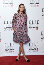 Alexa Chung went for a pink printed dress with a ruffled skirt for the 2015 Elle Style Awards.