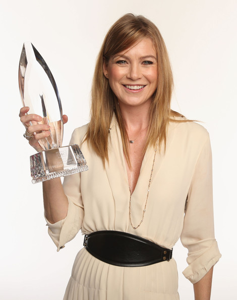 Ellen Pompeo Oversized Belt
