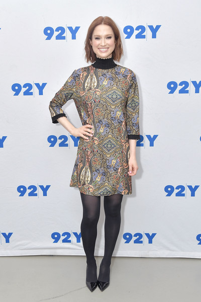 Ellie Kemper Print Dress [ellie kemper,michelle collins,author,book,my squirrel days,book,clothing,blue,fashion,dress,tights,hairstyle,yellow,footwear,electric blue,fashion model,new york city,92nd street y]