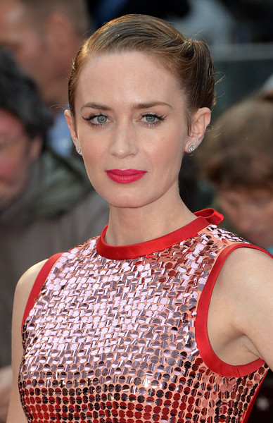 Emily Blunt Pink Lipstick [hair,fashion model,beauty,eyebrow,hairstyle,human hair color,jewellery,chin,fashion,lip,red carpet arrivals,emily blunt,sicario,uk,england,london,empire leicester square,premiere]