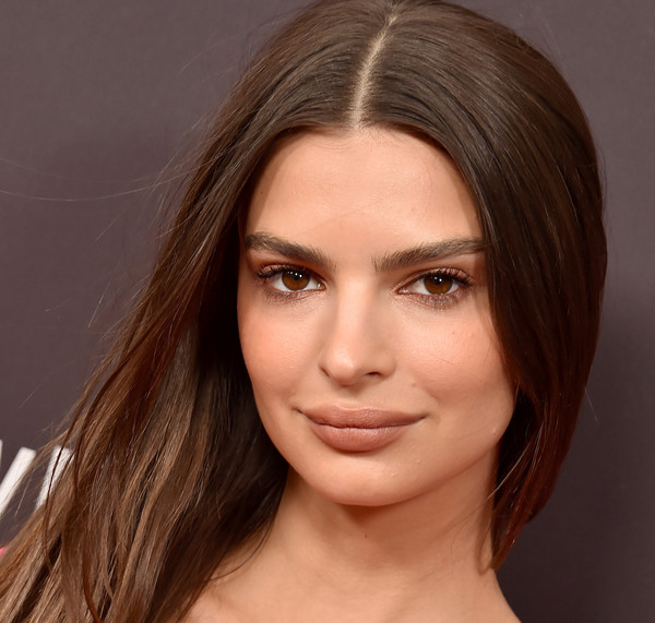 Emily Ratajkowski Beige Lipstick [welcome home,face,hair,eyebrow,hairstyle,chin,forehead,lip,brown hair,skin,beauty,arrivals,emily ratajkowski,west hollywood,california,the london west hollywood,premiere,welcome home premiere]