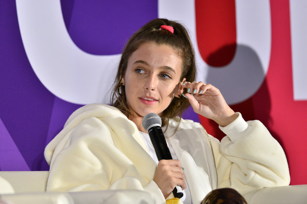 Emma Chamberlain Pastel Nail Polish [vidcon 2019,spokesperson,speech,orator,public speaking,event,news conference,vidcon,emma chamberlain,anaheim convention center,california]
