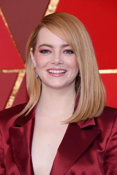 Emma Stone Mid-Length Bob [hair,beauty,blond,human hair color,eyebrow,hairstyle,chin,lady,smile,layered hair,arrivals,emma stone,academy awards,hollywood highland center,california,90th annual academy awards]