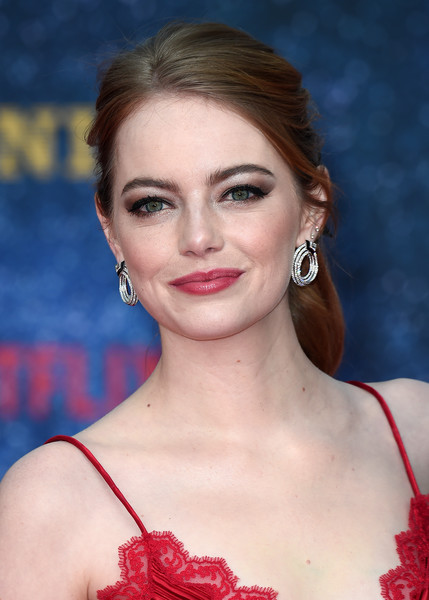 Emma Stone Loose Ponytail [maniac,netflix presents the world premiere of ``maniac,hair,face,eyebrow,hairstyle,lip,beauty,skin,chin,premiere,eyelash,red carpet arrivals,emma stone,england,london,southbank centre,world,netflix,premiere]