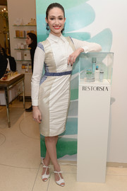 Emmy Rossum made a conservative choice with this long-sleeve, high-neck shirtdress by Nonoo when she attended the Restorsea meet-and-greet.