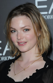 Holliday Grainger had her short bob styled in an effortless way at the Emporio Armani event.