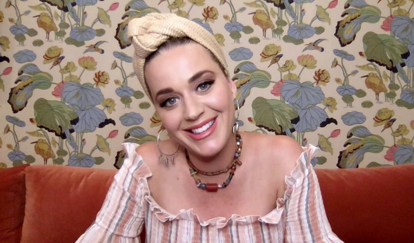 Katy Perry tamed her hair with a beige turband by Cult Gaia for the Shein Together Virtual Festival.
