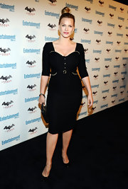 Natasha Henstridge brought out her inner vixen in a black corset dress at Comic-Con.