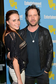 Jamie Kennedy channeled a rockstar vibe by pairing his classic leather jacket with a silver pendant necklace.