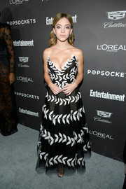 Sydney Sweeney looked red carpet-ready in a strapless, leaf-embroidered gown by Oscar de la Renta at the Entertainment Weekly SAG nominees party.