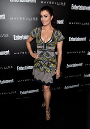 Bellamy Young worked a vibrant Herve Leger by Max Azria beaded, sequined, and printed dress at the Entertainment Weekly celebration honoring the SAG nominees.