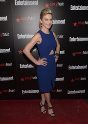 Rhea Seehorn styled her dress with chic black strappy sandals.