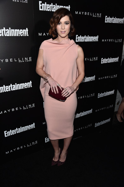 Mary Elizabeth Winstead worked a blush-colored frock with a drapey back at the Entertainment Weekly celebration honoring the SAG nominees.