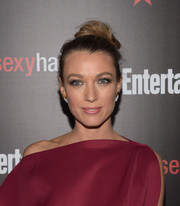 Natalie Zea attended the Entertainment Weekly SAG Awards nominee celebration rocking a cute top knot.