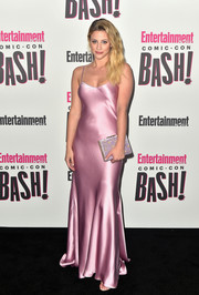 Lili Reinhart finished off her look with a lavender box clutch by M2Malletier.