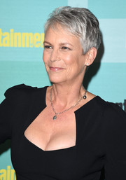 Jamie Lee Curtis kept it casual and cool with this pixie at the 2015 Entertainment Weekly Comic-Con party.