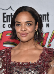 Tessa Thompson looked cute wearing this short, subtly wavy hairstyle at the Entertainment Weekly Comic-Con party.