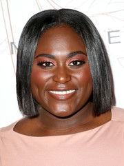 Danielle Brooks wore her hair in a sleek center-parted bob during Entertainment Weekly's SAG Awards nominees celebration.