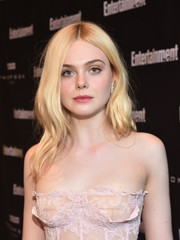 Elle Fanning looked lovely with her soft waves at the Entertainment Weekly Must-List party.