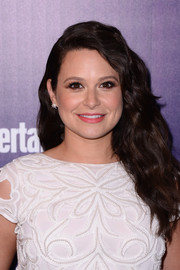 Katie Lowes attended the Entertainment Weekly and People celebration of the New York Upfronts wearing her hair in long, lush waves.
