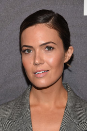 Mandy Moore opted for a neat side-parted updo when she attended the Entertainment Weekly and People New York Upfronts.
