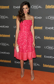 Noureen DeWulf's nude pointy pumps and pink strapless dress at the Entertainment Weekly pre-Emmy party were a super-sweet pairing.