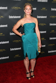 A pair of black ankle-strap peep-toes pulled Elisabeth Rohm's look together.