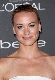 Yvonne Strahovski sported simple styling at the Entertainment Weekly pre-Emmy party with this sleek ponytail.
