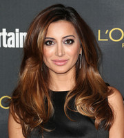 Noureen DeWulf wore a fabulous high-volume hairstyle with wavy ends at the Entertainment Weekly pre-Emmy party.