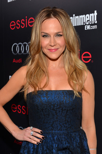 More Pics of Julie Benz Hard Case Clutch (3 of 4) - Clutches Lookbook - StyleBistro