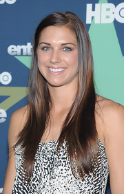 Alex Morgan wore her ultra-glossy locks sleek and slightly side parted at the 'Entourage' season 8 premiere.