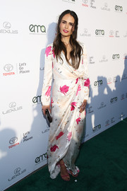Jordana Brewster completed her look with fuchsia slim-strap heels.