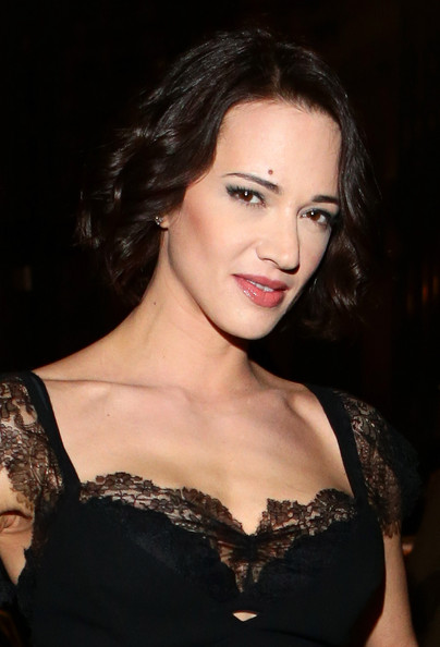 Asia Argento looked great with her short curls down at the Ermanno Scervino fashion show.