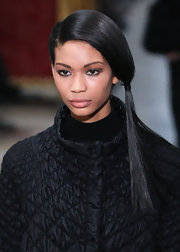 Super model Chanel, walked the runway while showing off her side ponytail. Sleek and chic!