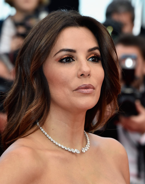 Eva Longoria Metallic Eyeshadow