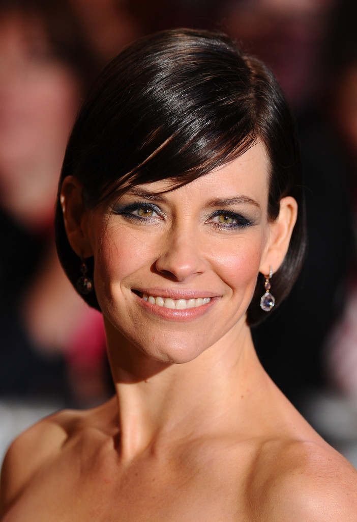 Evangeline Lilly Bob Short Hairstyles Lookbook Stylebistro