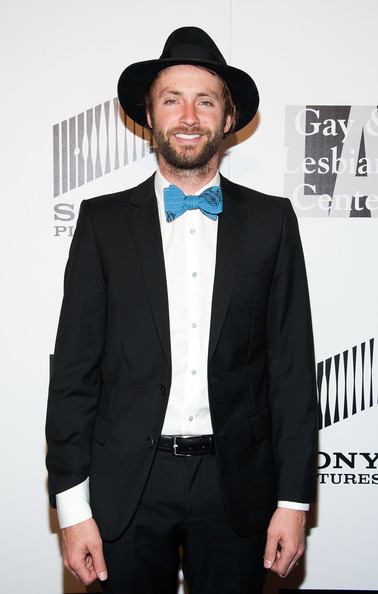 Paul McDonald got back to his country roots with this folk-inspired walker hat.