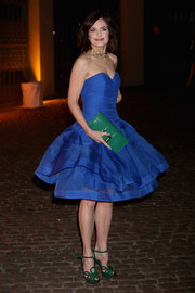 Elizabeth McGovern looked enchanting at the Global Fund event in a cobalt strapless dress with a flared skirt.