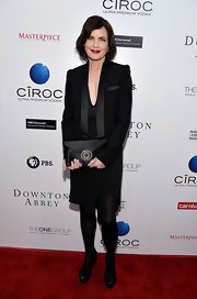 Elizabeth McGovern chose a black blazer with satin lapels to pair over her LBD at the 'Downton Abbey' event in Hollywood.