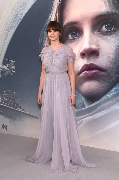 Felicity Jones attended the exclusive screening of 'Rogue One: A Star Wars Story' wearing a princess-worthy ruched lavender gown by Giambattista Valli Couture.