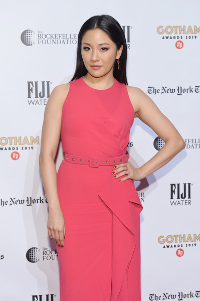 Constance Wu paired a red mani with a pink gown for the 2019 IFP Gotham Awards.