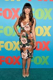 Hannah Simone looked very ladylike in a lace-embellished floral dress by Dolce & Gabbana during the Fox Programming Presentation.