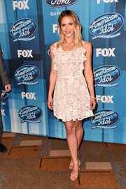 Katharine McPhee looked very dainty in this little white lace dress while attending the 'American Idol' finale.