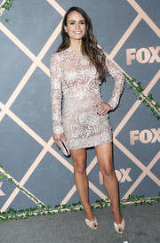 Jordana Brewster paired her dress with knot-detail peep-toe mules by Giuseppe Zanotti.