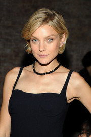 Jessica Stam complemented her LBD with a black gemstone tennis necklace.