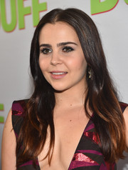 Mae Whitman sported a center part with barely-there waves during the fan screening of 'The Duff.'